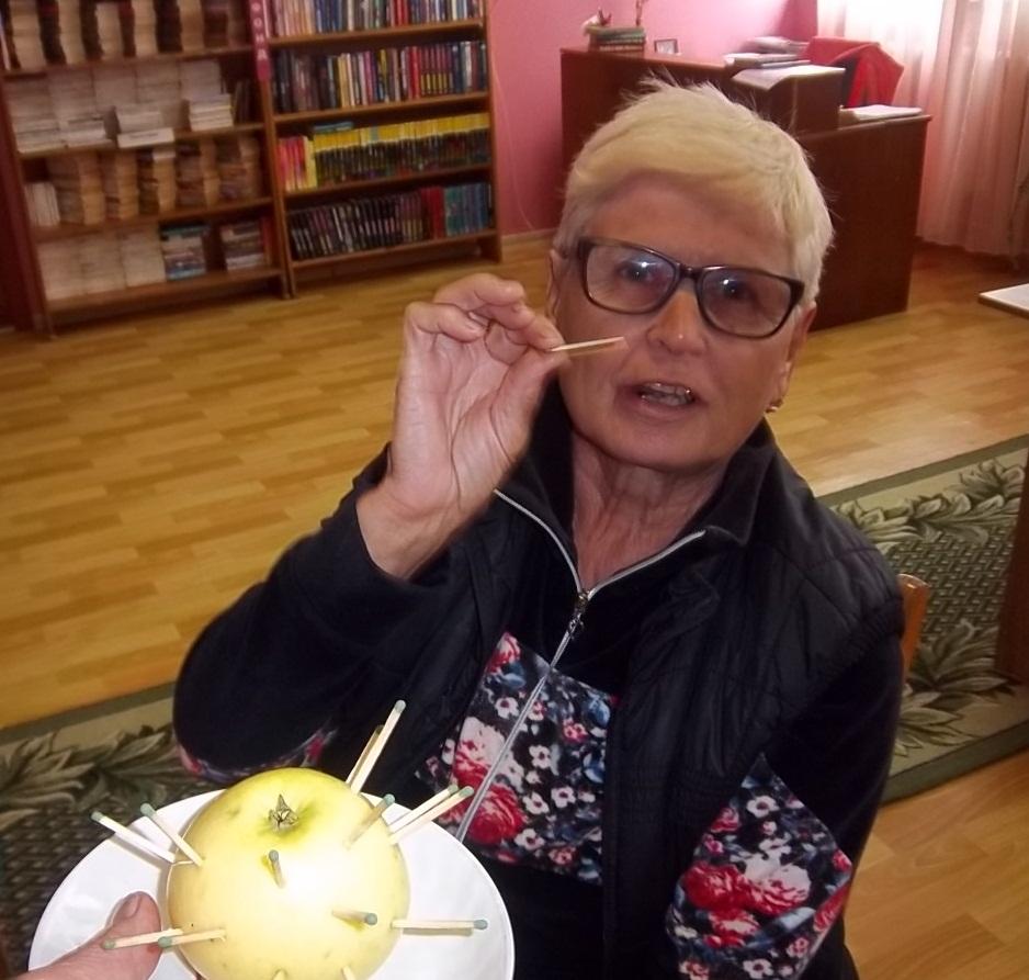 Яблачны  спас нам  яблычкаў  прыпас 018